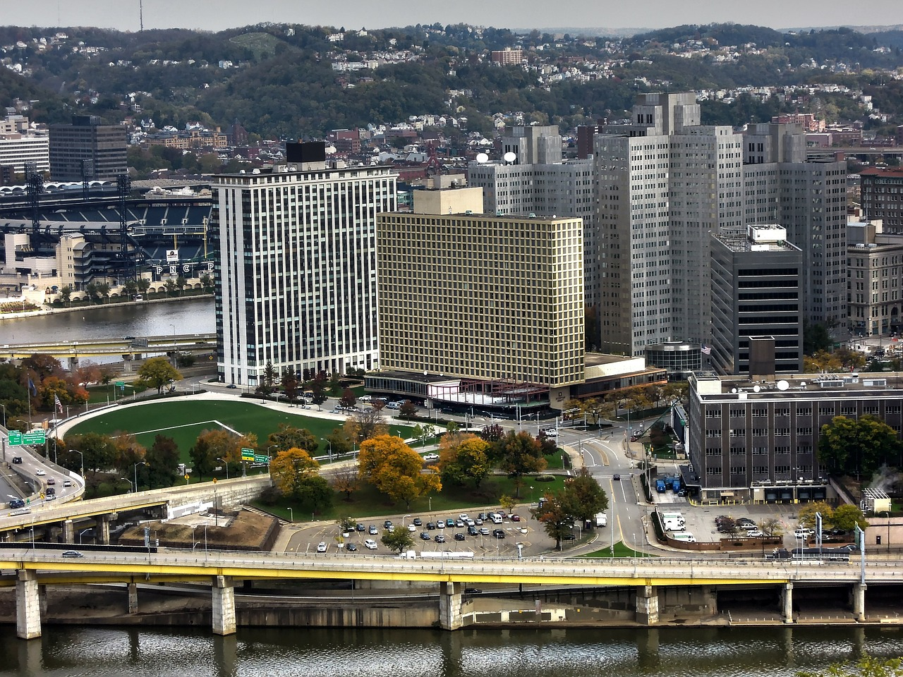 skyscrapers and landscape at the pittsburgh harbor